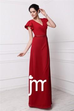 Robe rouge longue élégante ceinturée