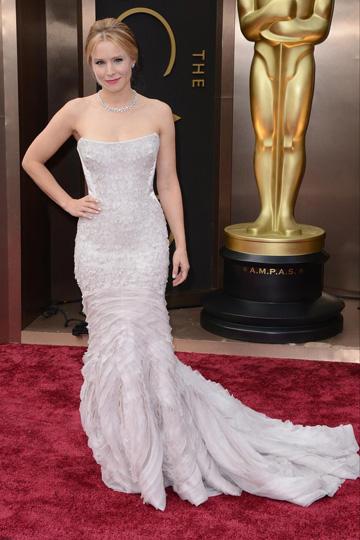 Kristen Bell en robe longue lors d'Oscar 2014