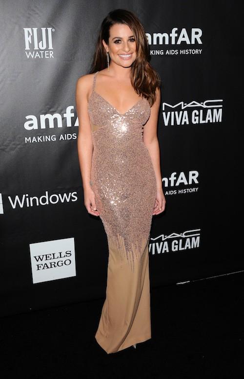 Lea Michele sublime dans une robe soirée près du corps étincelante