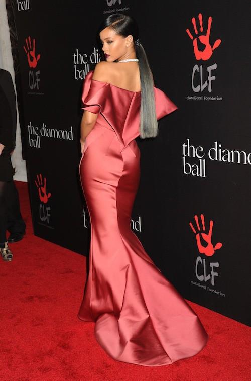 la chanteuse Rihanna a organisé son premier gala de charité ce jeudi 11 décembre,