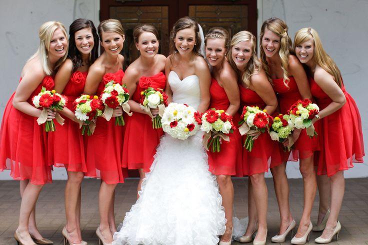 Robe courte rouge pour demoiselle d'honneur