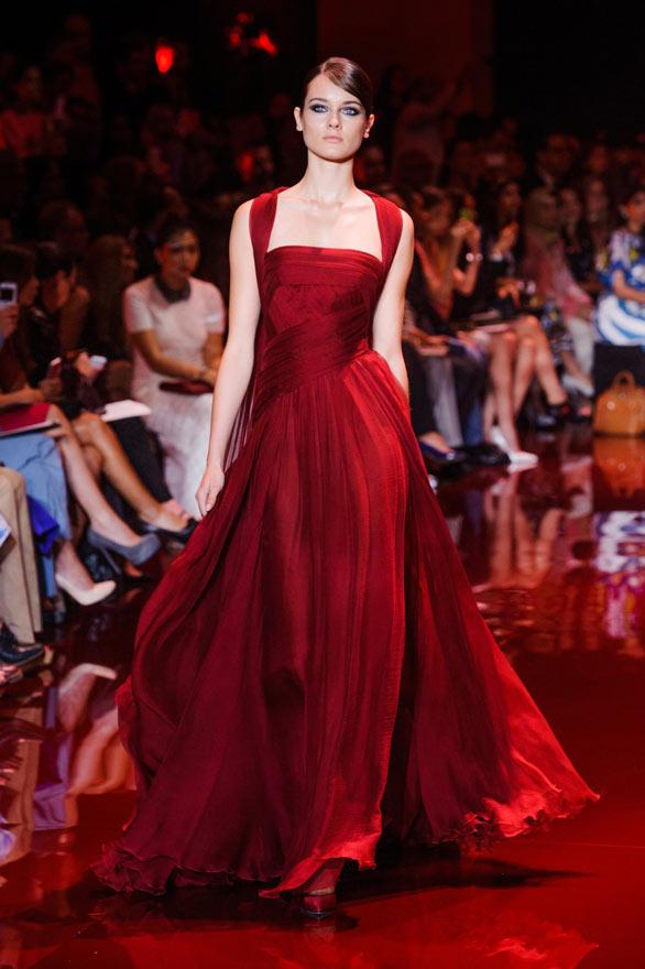 robe soirée longue rouge avec bretelles fluides