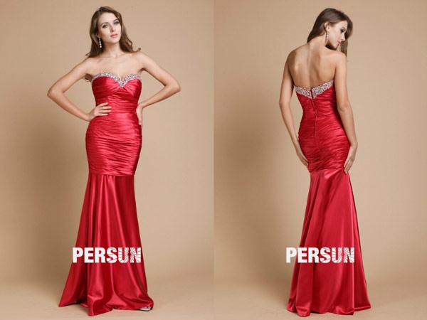 robe-sirene-soiree-rouge-long-decollete