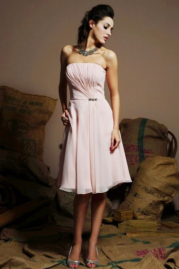 petite-robe-rose-bustier-ruche-en-mousseline