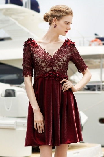Robe cocktail bordeaux courte