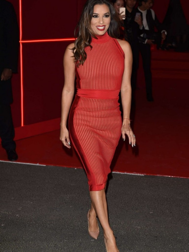 Eva Longoria tenue rouge L'Oréal's Red Obsession Party
