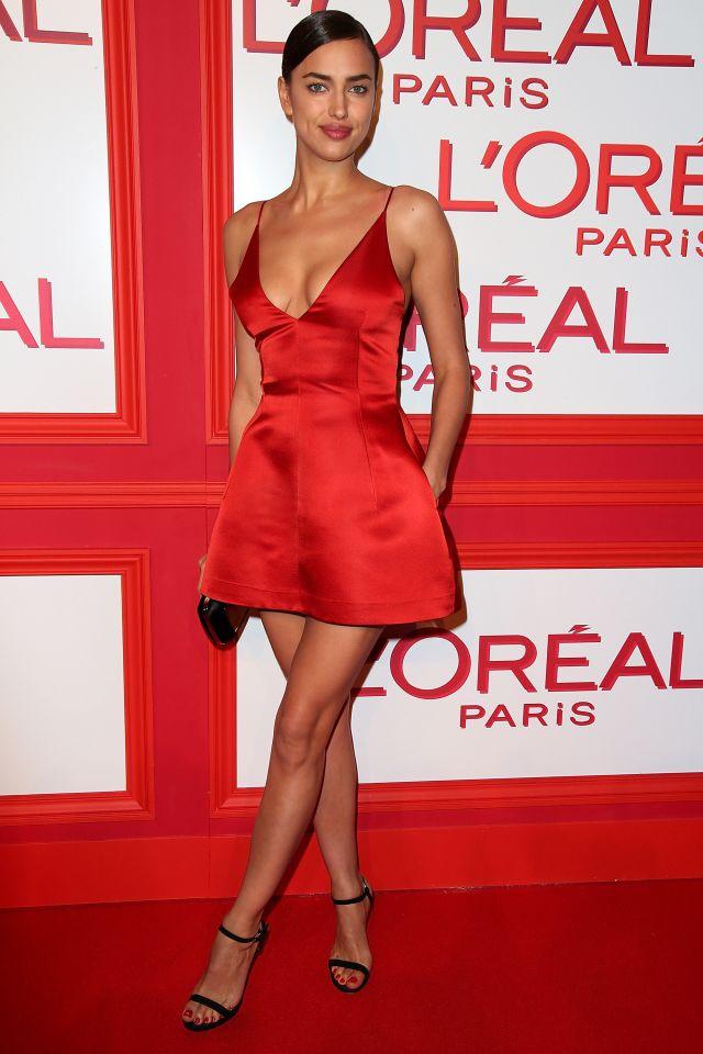 Irina Shayk en petite robe rouge sexy