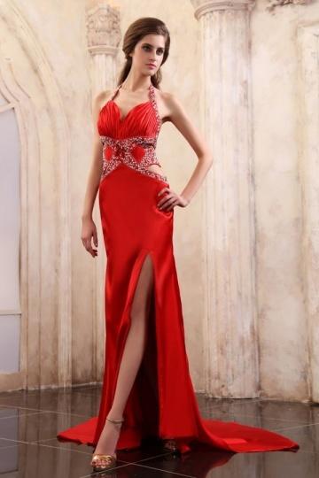 longue-robe-rouge-fendue-brillante