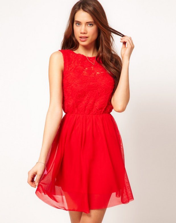 robe-rouge-patineuse-courte