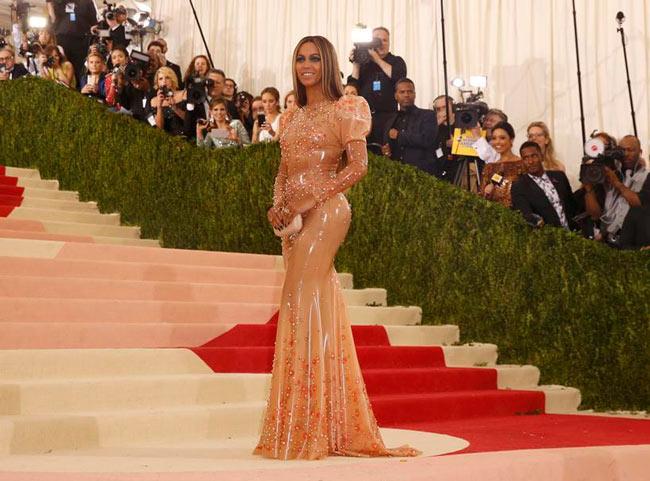 Beyonce-lors-du-Gala-Met-2016-sexy