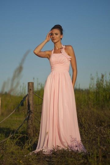 Simple robe mousseline pastel empire à col halter pour cortège mariage
