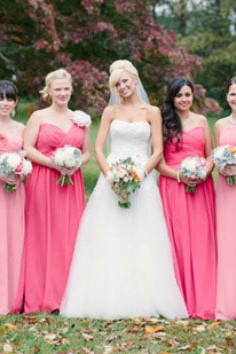 Affichez une allure délicate avec la robe demoiselle d'honneur rose