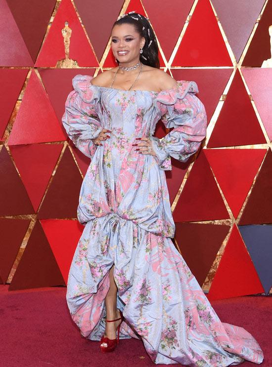 robe de soirée extravagante à manche votantée Andra Day