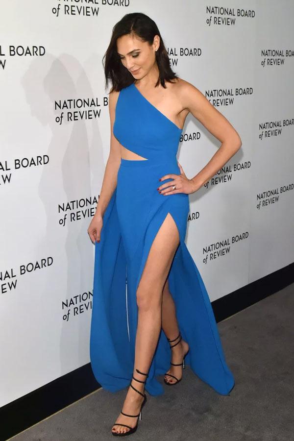 robe de soirée bleu longue fendue asymétrique Gal Gadot