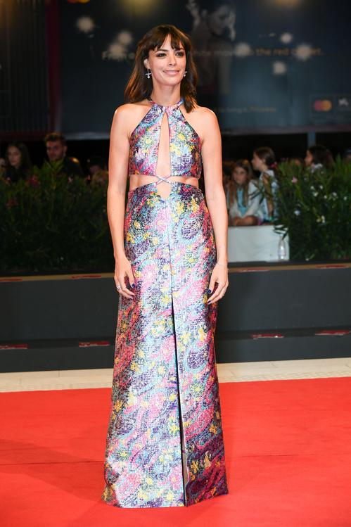 robe de soirée sexy découpé imprimée Bérénice Bejo