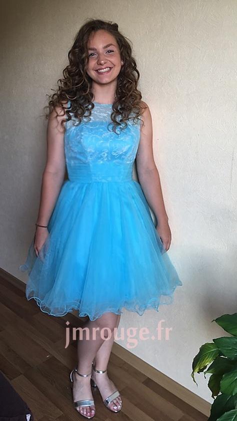 avis client de robe princesse bleu brodé