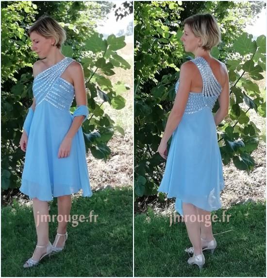 robe de cocktail mariage bleu asymétrique et étole