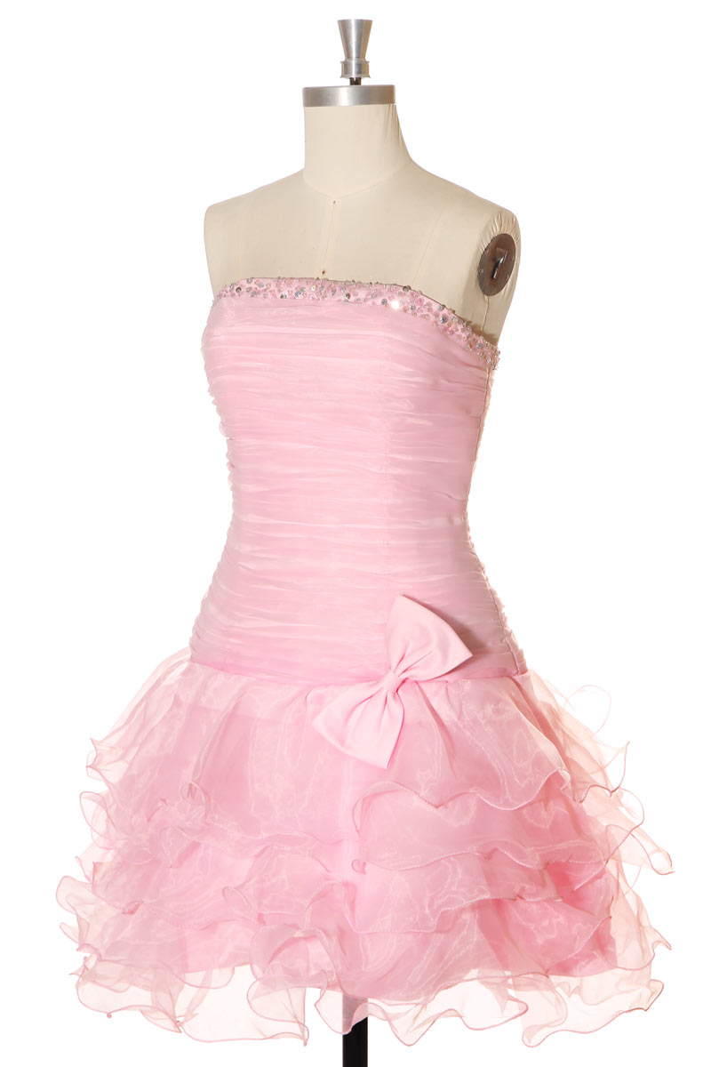 robe de cocktail rose courte jupe à volants