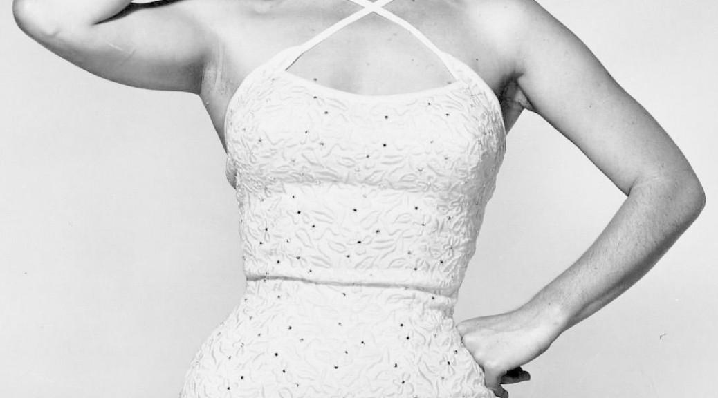 marilyn monroe aime bien la robe de soirée fourreau