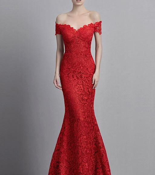 robe de soirée longue rouge sirène épaule dénudée en dentelle appliquée