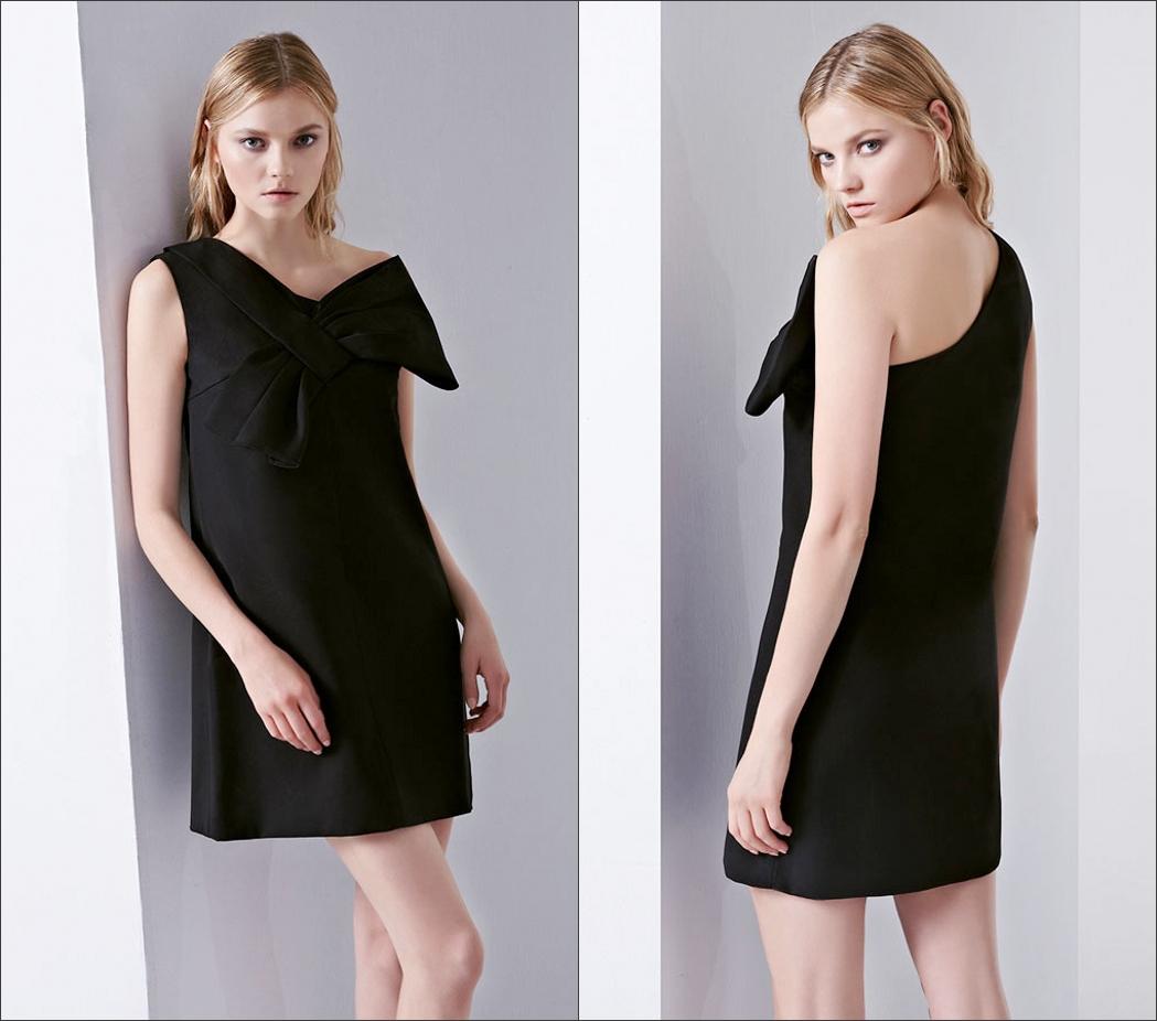 petite robe noire asymétrique chic embelli de noeud de papillon