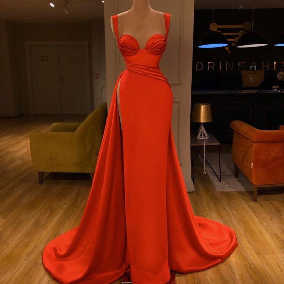 robe de soirée luxe fait main de Valdrin Sahiti