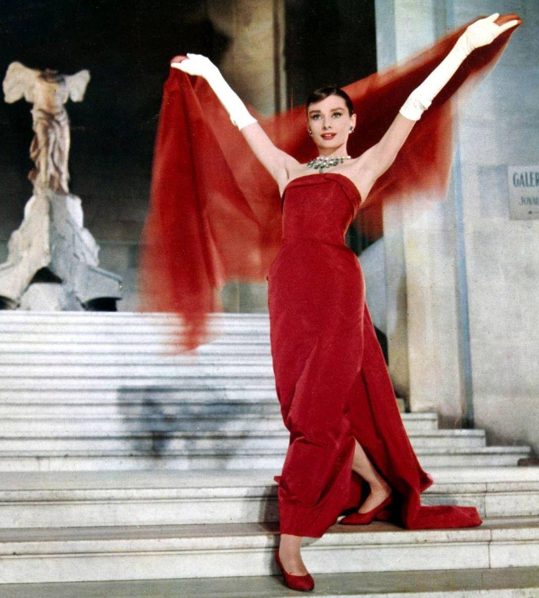 robe rouge classique de Audrey Hepburn