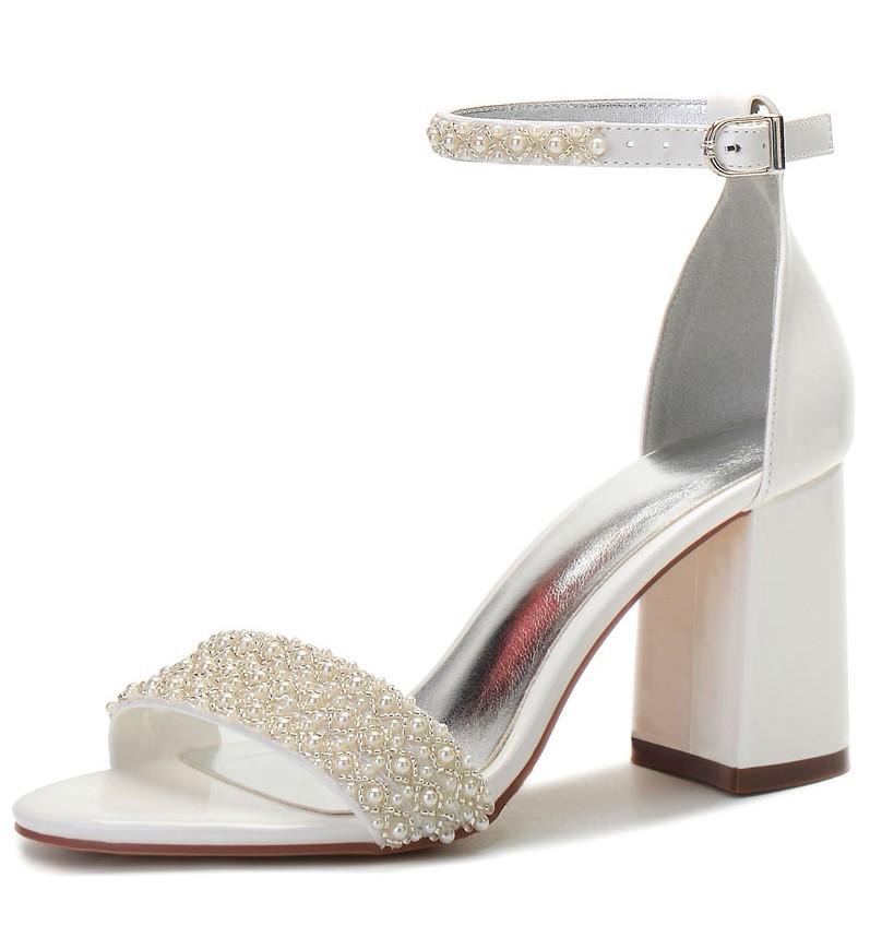 sandale à talon épais perlé
