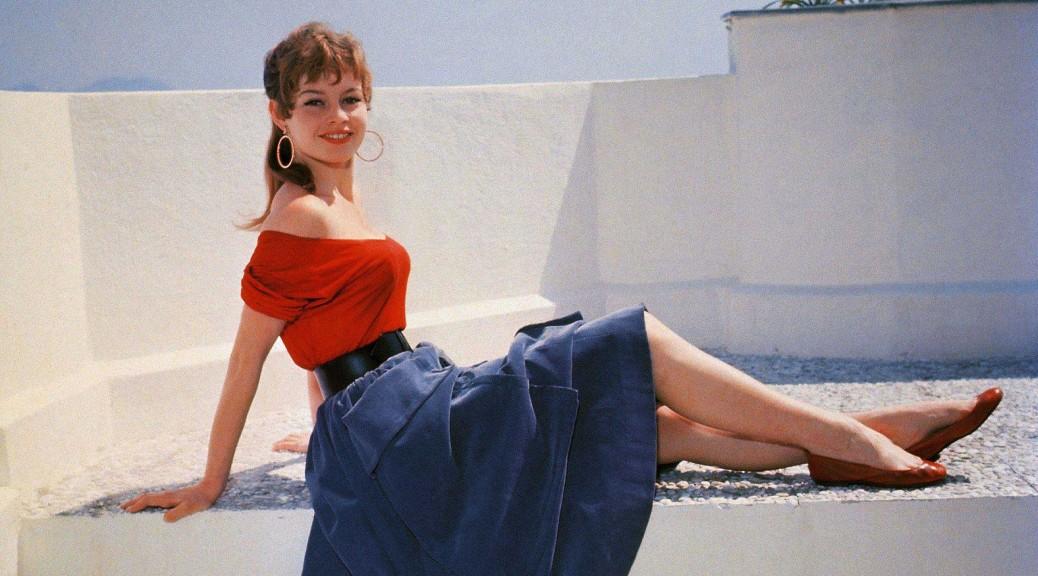 haut rouge à col bardot de Brigitte Bardot