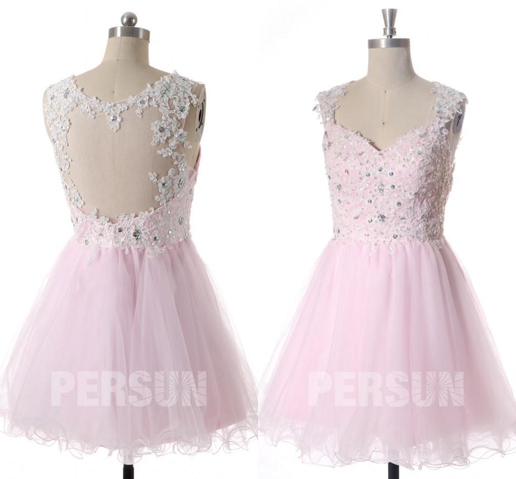 robe de cocktail courte rose en dentelle appliquée