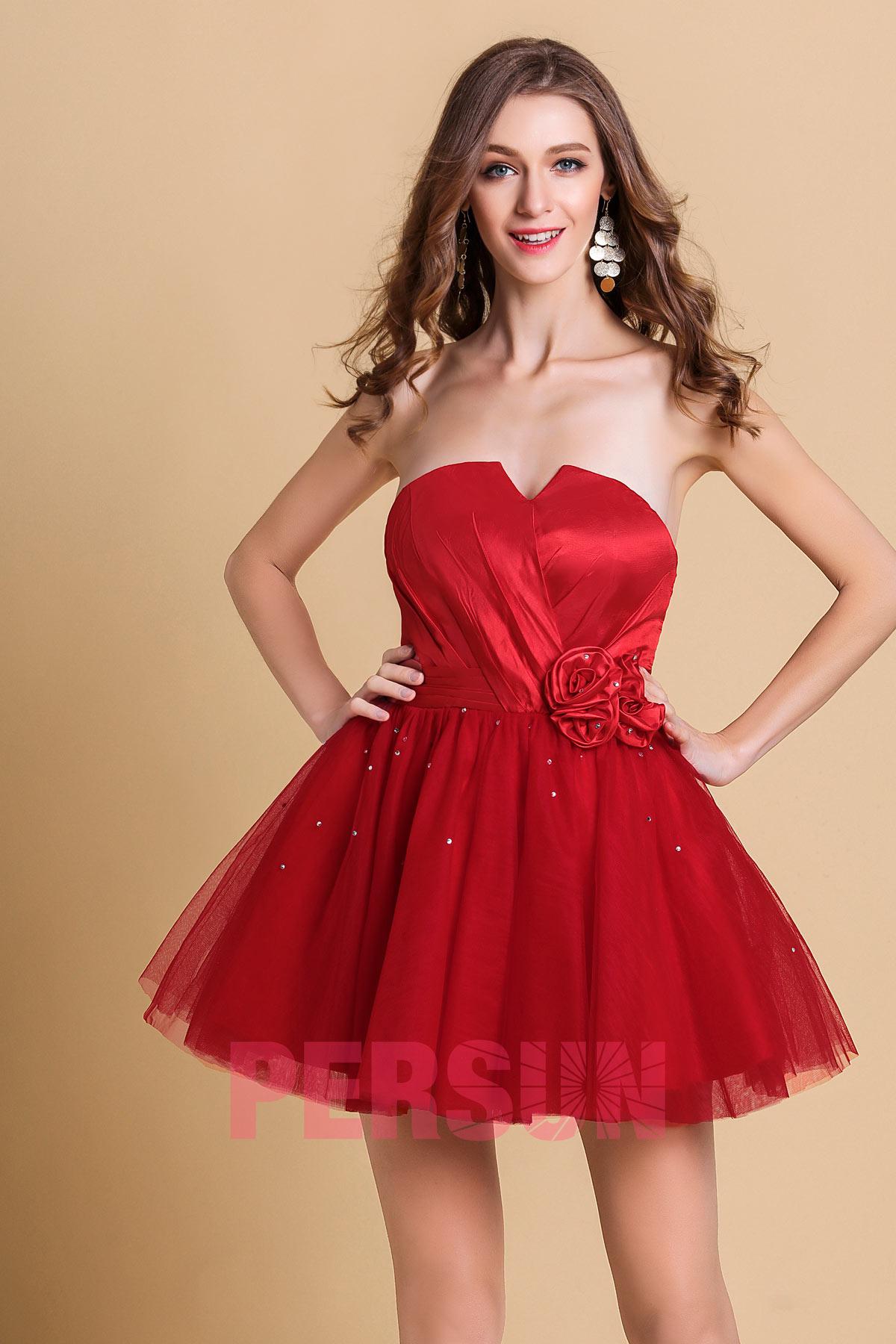 petite robe rouge bustier plissé taille embelli de fleurs fait main