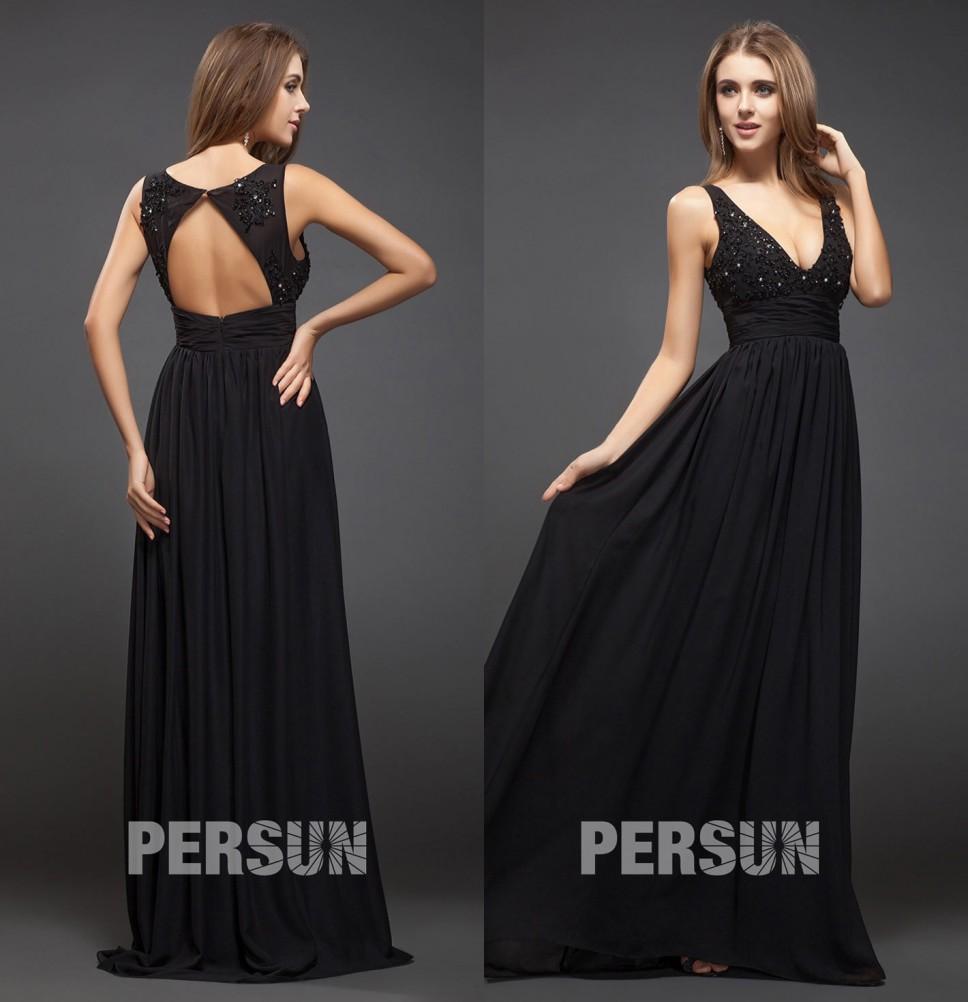 robe de soirée longue noire dos découpé encolure v embelli de bijoux