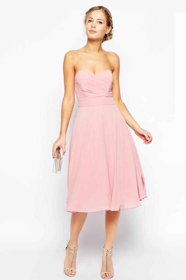 robe de cocktail mi-longue simple bustier coeur rose poudré