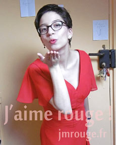 Avis JMRouge.fr robe pour cocktail de mariage rouge manches courtes